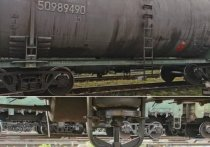 На станции Челябинск-Главный произошла утечка дизельного топлива из грузового поезда