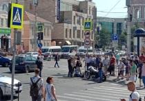 В центре Калуги мотоциклист влетел во внедорожник