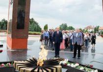 Додон и Воронин почтили память погибших в Великой Отечественной войне