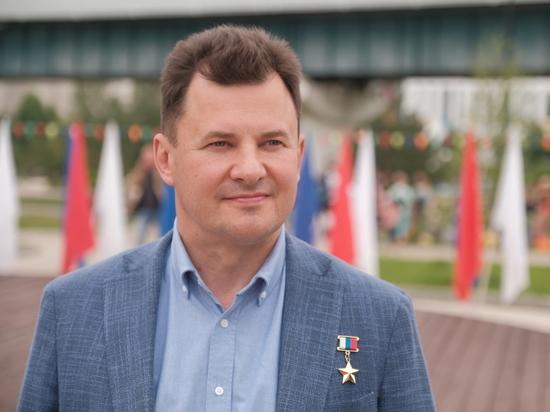 Роман Романенко поддержал инициативу Анны Кузнецовой о «декретных выплатах» для бабушек и дедушек