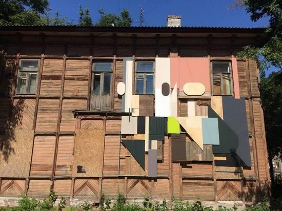 На доме в квартале церкви Трех Святителей появилась работа Алексея Луки