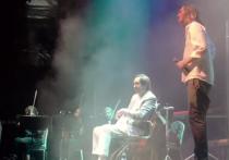 Уже в 2019-м, после продолжительной болезни, Николай Носков выступил с большим концертом в Москве, до этого успев принять участие с песней «Снег» в «Вечернем Урганте» и сняться с ней же в новогоднем квартирнике у Маргулиса