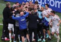 Сборная Дании обыграла сборную России (4:1) и обеспечила себе выход в плей-офф Евро-2020 со второго места. Датчане с двумя поражениями на турнире идут дальше, а россияне отправляются домой. «МК-Спорт» собрал реакцию мировой и датской прессы на матч в Копенгагене.