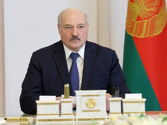 Александр Лукашенко оказался под беспрецедентным давлением