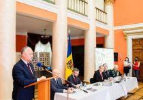Додон: 650 тысяч уроженцев Молдовы отдали жизни за Победу