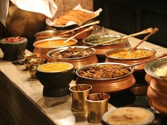 Эксперты предупредили россиян об опасности ряда блюд шведского стола в отелях Турецкой Республики, пишет портал «Тонкости туризма»