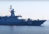Американские эксперты портала Popular Mechanics попытались разобраться в целях нахождения в 35 милях от Гавайев российского флота, проводящего испытания