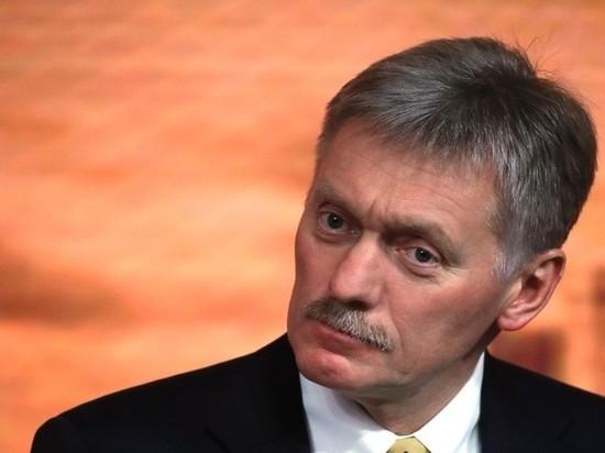 Песков отказался комментировать призывы к отставке Черчесова
