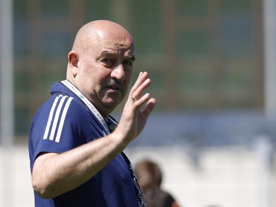 После вылета сборной России с Евро-2020 актуально вспомнить, за что увольняли главных тренеров
