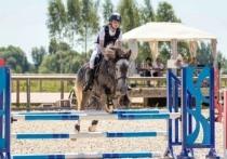 Спортсменка из Иванова стала третьей на межрегиональных соревнованиях по конкуру