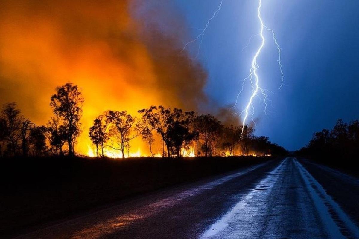 Будьте внимательны, Костромскую область накрыли сухие грозы