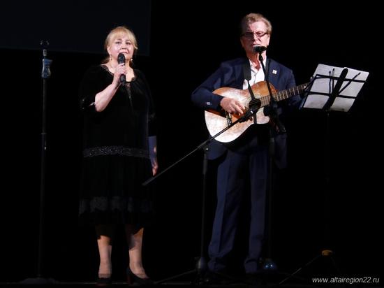 В Барнауле прошел вечер памяти Валерия Золотухина