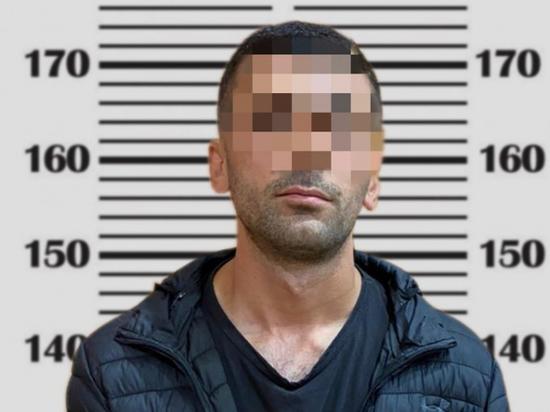 Мужчину ударили ножом в спину на улице Владикавказа