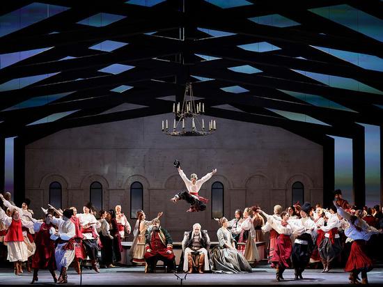 Евгений Писарев, худрук театра имени Пушкина, поставил в Большом театре оперу Чайковского «Мазепа»