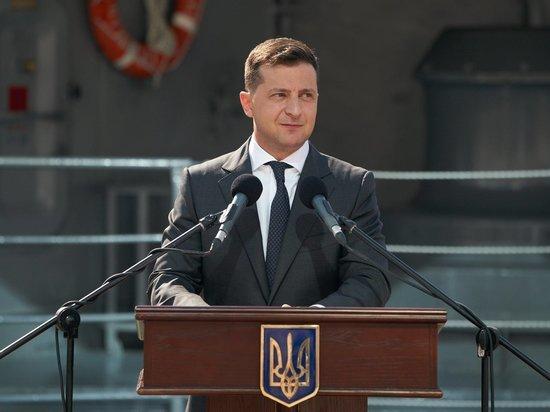 Зеленский утвердил санкции против российских бизнесменов и чиновников