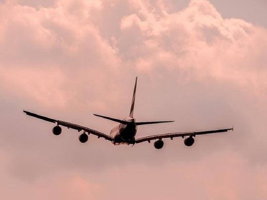 На летевшем в Сочи самолете сработал сигнал о пожаре