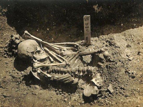 Команда исселедователей пришла к выводу, что человек умер более 3000 лет назад, между 1370 и 1010 годами до нашей эры