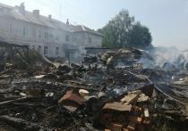 Двое сотрудников МЧС по Ивановской области попали в больницу после тушения пожара
