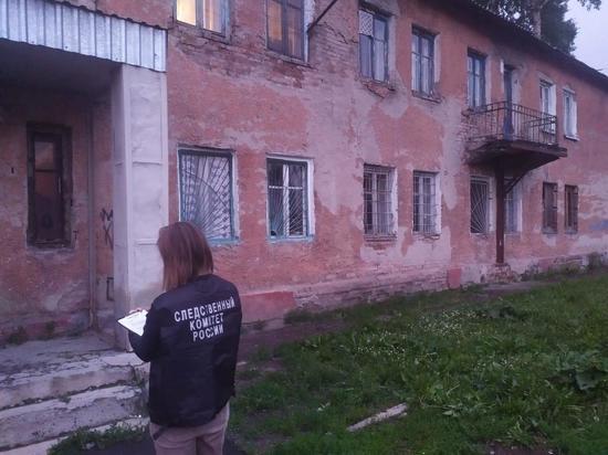 В аварийном доме в Кемерове обрушился потолок