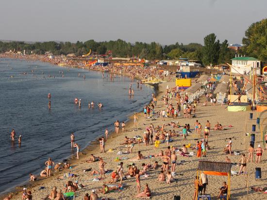 Отечественная туриндустрия бьет тревогу: решение властей Краснодарского края и еще некоторых регионов о допуске на отдых лишь вакцинированных туристов ставит под угрозу летний сезон