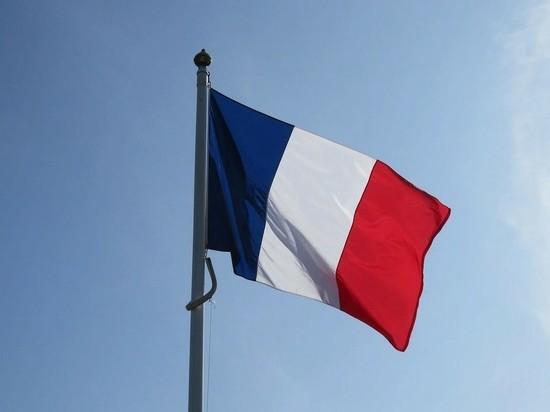 Посольство Франции в Москве приостановило прием заявок на Шенген