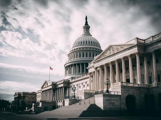 Вызов Китаю: Сенат США одобрил пакет инвестиций в науку и технологии