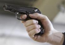 Неизвестный расстрелял троих человек и забаррикадировался в доме под Иваново