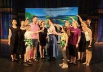 Донецкая муздрама привезла в Крым 3 тонны декораций