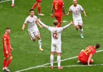 """На Евро-2020 состоялись первые матчи 1/8 финала. Сборные Дании и Италии, как и ожидалось, обыграли соперников из Уэльса и Австрии, однако произвели при этом совершенно разное впечатление. """"МК-Спорт"""" рассказывает подробности."""