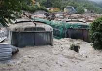 Подтоплены дома в Кореизе и Алупке, в поселках Большой Ялты и в селах Ленинского, Советского и Кировского районов