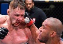 В Лас-Вегасе состоялся турнир серии UFC Fight Night, в главном событии которого российский тяжеловес Александр Волков проиграл французу Сирилу Гану. Драго сомневается в решении судей, но результат определен — его соперник приблизился к титульному бою, а Волкову надо начинать все сначала.