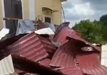 В одном из аулов Адыгеи ветром сорвало крышу Дома Культуры