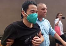 Душераздирающая картина разыгралась после заседания в Пресненском районном суде Москвы, где в понедельник, 28 июня, решался вопрос об аресте отца «суррогатного» младенца, гражданина Китая Лю Цзюна, подозреваемого в торговле людьми