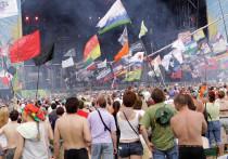 В связи с ростом заболеваемости коронавирусом в России стремительно стали отменяться большие фестивали, которых так ждали зрители