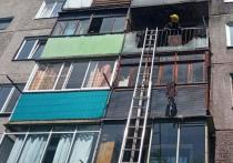В Абакане брошенная сверху сигарета стала причиной возгорания в пятиэтажке