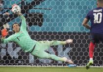 На чемпионате Европы по футболу что ни день, то сенсация. Накануне действующие чемпионы мира французы проиграли в серии пенальти сборной Швейцарии (3:3, 4-5) в 1/8 финала. Матч был настолько драматичным, что превзошел по эмоциям игру того же дня Испания — Хорватия (5:3). «МК-Спорт» расскажет, что пишут после матчей понедельника.