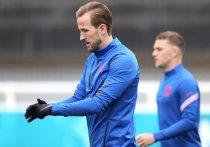 Игра, которая пройдет на «Уэмбли», обещает стать не менее интересной, чем матчи понедельника. Многие эксперты уверены, что встреча дойдет до серии пенальти. «МК-Спорт» собрал мнения и прогнозы перед матчем Англия — Германия на Евро-2020.