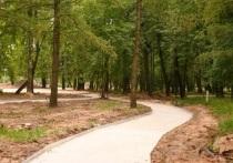 В двух парках Серпухова активно идут работы по благоустройству