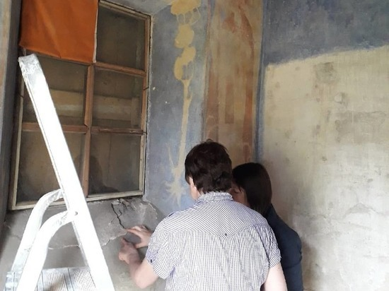 Реставраторы из Москвы приступили к укреплению росписей в Анастасиевской часовне