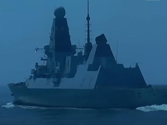 Британский писатель назвал «почти сумасшествием» провокацию в Черном море