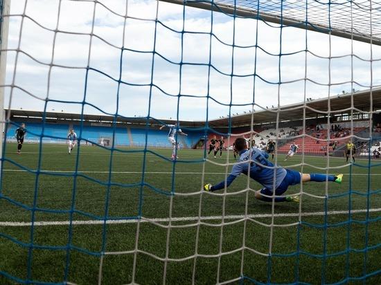 Футбольный клуб «Челябинск» завершил сезон 2020/2021 на третьем месте среди команд Профессиональной футбольной лиги (ПФЛ), третьего по рангу турнира в стране.