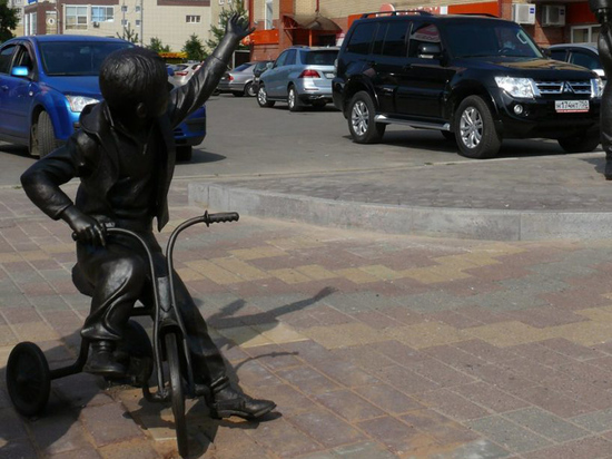 Скульптурную композицию отремонтировали за счет виновника аварии