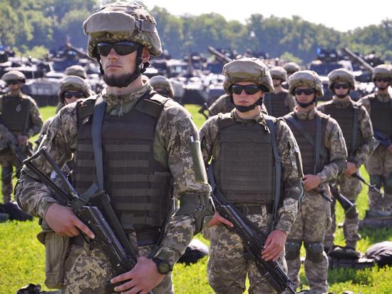 «Идет возведение инфраструктуры, которая может понадобиться в случае развертывания наступательной группировки против России»