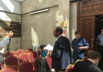 Помимо представителей надзорного ведомства на заседании были замечены сотрудники республиканских министерств юстиции, внутренних дел и даже ФСБ