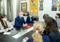 Игорь Додон указал послу США Дереку Хогану на неправомерные действия