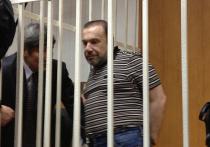 Шурин бывшего мэра Москвы Юрия Лужкова, Виктор Батурин не теряет бодрости духа, даже несмотря на арест, который сегодня может назначить ему Басманный суд Москвы