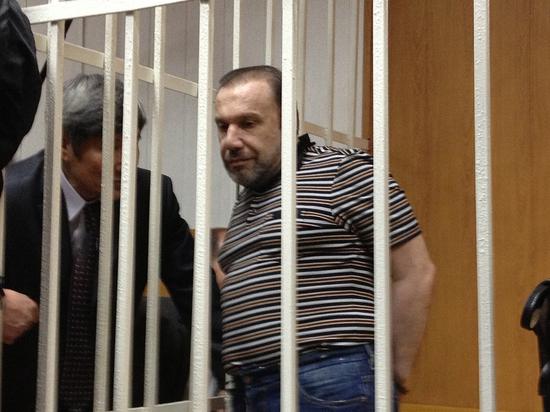 Виктора Батурина могут арестовать за мошенничество: заявление написала сестра Елена