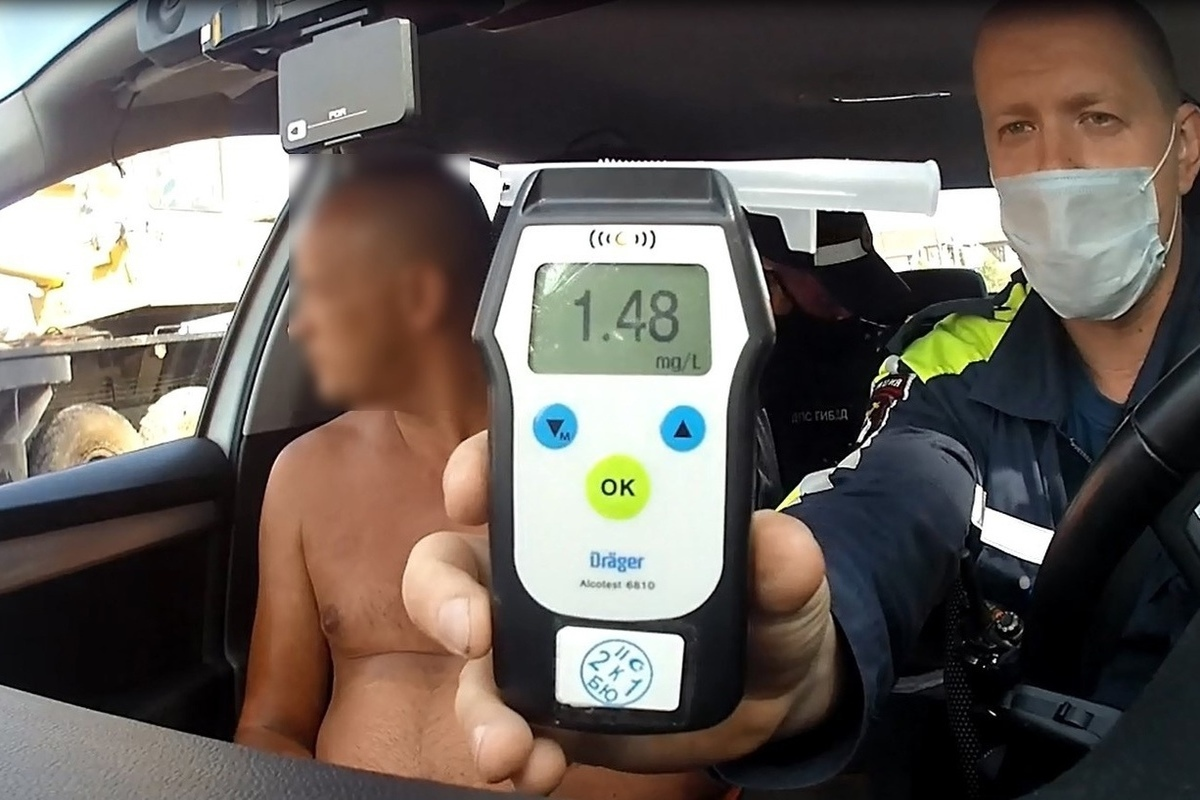В ходе проверки водителей на трезвость костромские полицейские поймали пьяного водителя автокрана