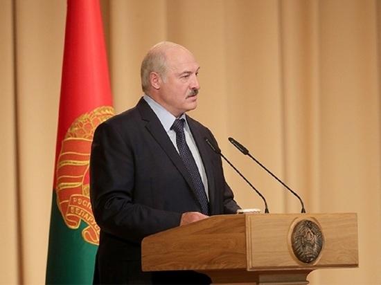 Лукашенко заявил о покушении на журналиста Азаренка: Хотели отрезать язык