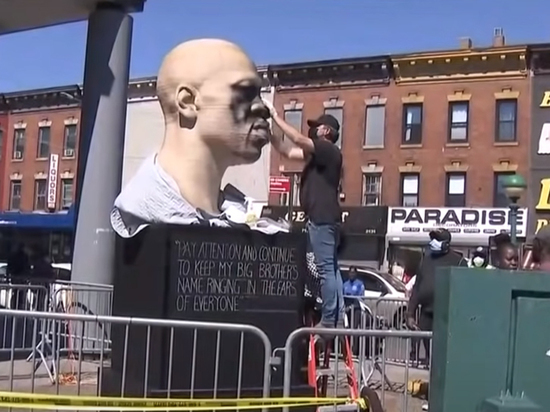 Мы подобрали восемь парадоксальных монументов